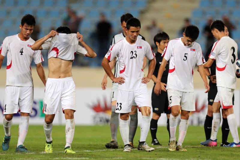 Vén màn bí mật bóng đá Bắc Triều Tiên (Phần cuối): Bóng đá và vùng trời bình yên - Bóng Đá