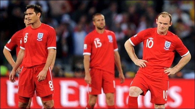 Nhìn lại những khoảnh khắc khiến tuyển Anh phải 'độn thổ' (Phần 2) - Bóng Đá