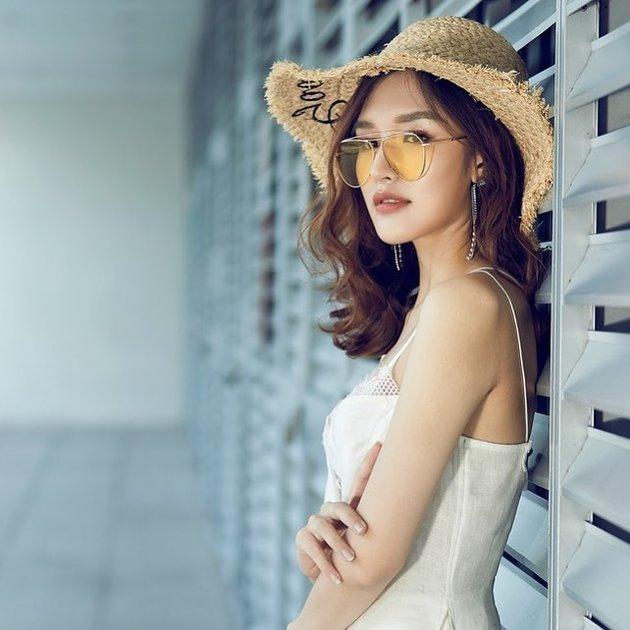 Người mẫu Phương Chi: 'Con gái xem bóng đá làm không khí sôi nổi hơn' - Bóng Đá