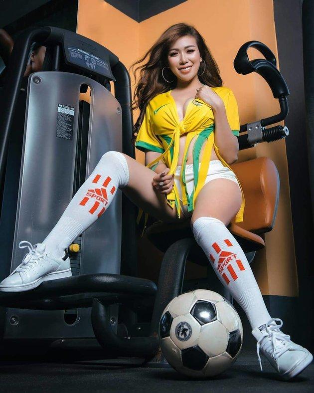 Hotgirl Mai Thỏ - Xem bóng đá vì tò mò Messi là ai - Bóng Đá