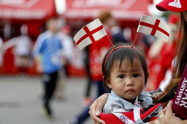 World Cup và trẻ thơ: Khi giấc mơ song hành cùng nước mắt - Bóng Đá
