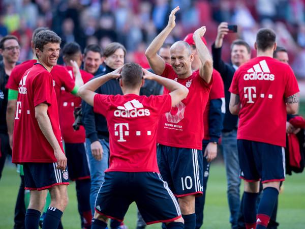 Top 6 đội bóng xây dựng 'đế chế Galacticos' vững mạnh tại châu Âu - Bóng Đá