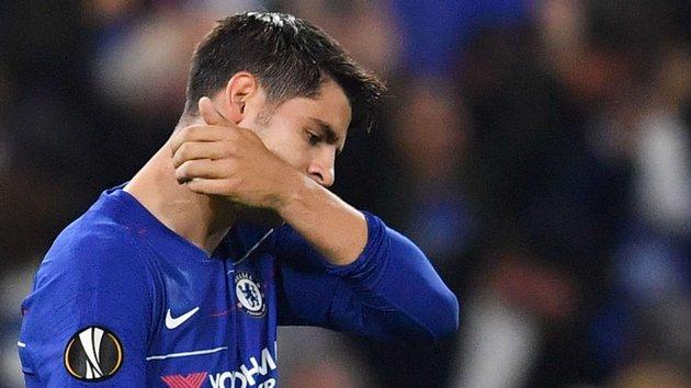 Hé lộ bí mật đằng sau động tác ăn mừng như khóc của Morata - Bóng Đá