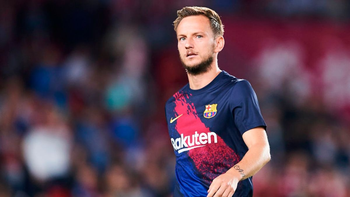 Barcelona fans react to Ivan Rakitic update - Bóng Đá