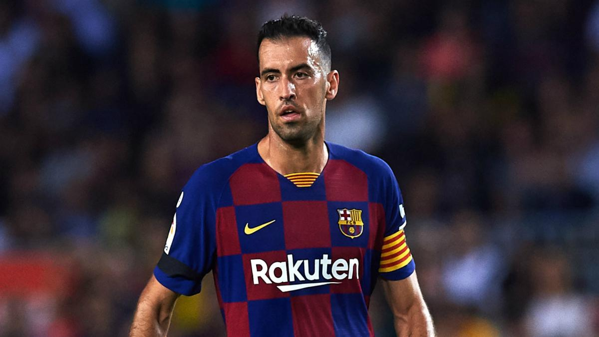 Barcelona fans are showering Sergio Busquets with praise - Bóng Đá