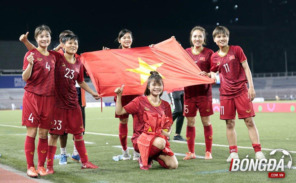 Tuyển nữ Việt Nam ở lại tiếp lửa cho U22 Việt Nam - Bóng Đá