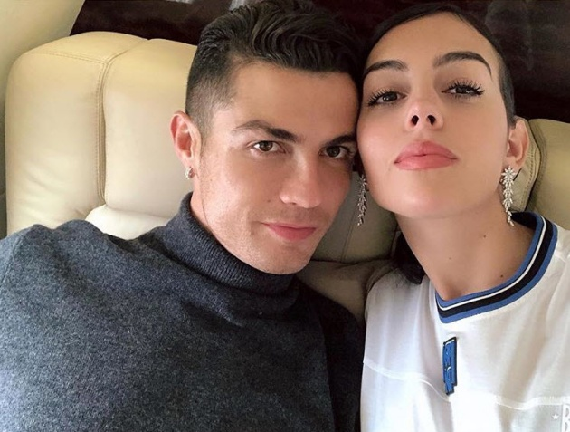 Reports from Portugal that Cristiano Ronaldo has proposed to Georgina Rodriguez - Bóng Đá
