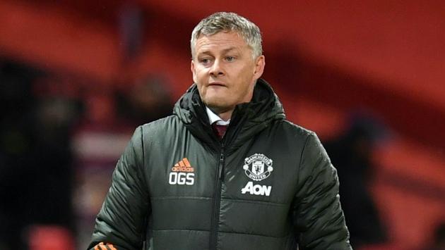 Man Utd, đừng tự biến mình thành