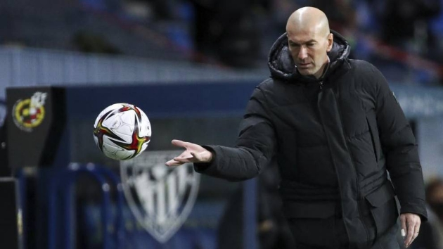 MARCA Survey: Real Madrid fans believe Zidane's time is coming to an end - Bóng Đá