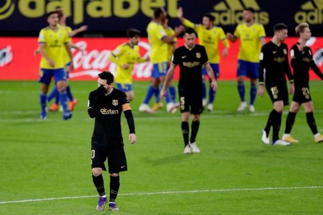 Luis Suarez: The gift Barcelona gave to Atletico to win LaLiga Santander - Bóng Đá