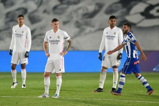 Real lụn bại vì sai lầm khó đỡ, Zidane có cố cũng bằng thừa - Bóng Đá