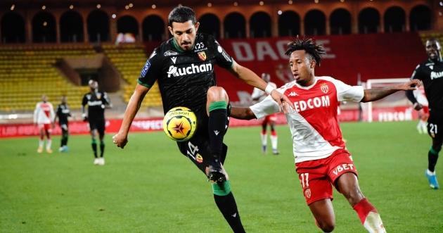 Man Utd joined by AC Milan in race to sign defender Medina - Bóng Đá
