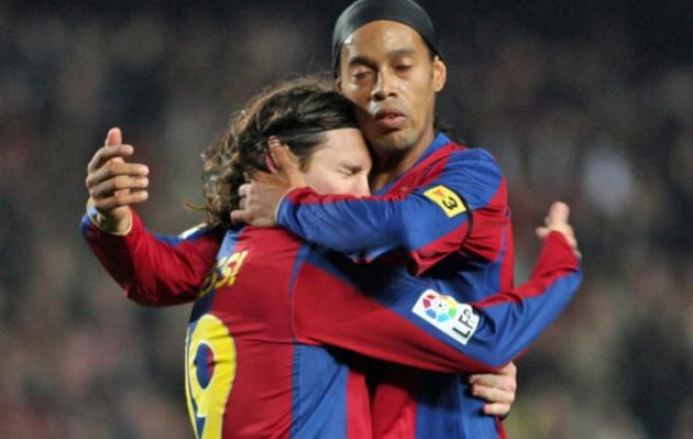 Messi's message of condolences after Ronaldinho loses his mother - Bóng Đá