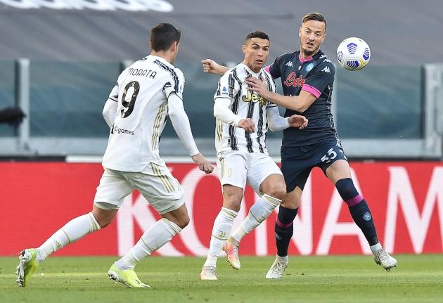 Bán Ronaldo, Juventus quyết giữ chân