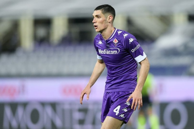 According to Tuttomercatoweb, Chelsea have joined the race with Manchester United and Liverpool to sign Fiorentina defender Nikola Milenkovic. - Bóng Đá