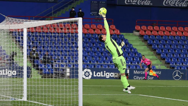 Courtois: It's not the time to moan about injuries - Bóng Đá