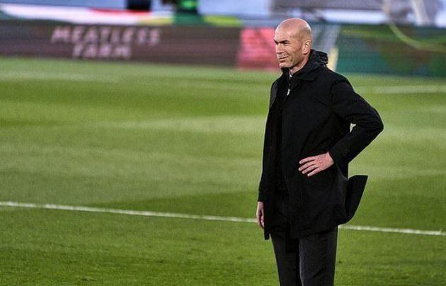 Zidane và Real đã tự bắn vào chân mình - Bóng Đá