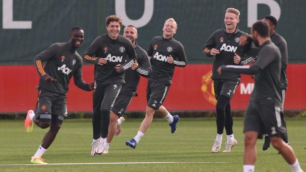Eric Bailly picks out Man Utd's top two players this season as unsung heroes chosen - Bóng Đá