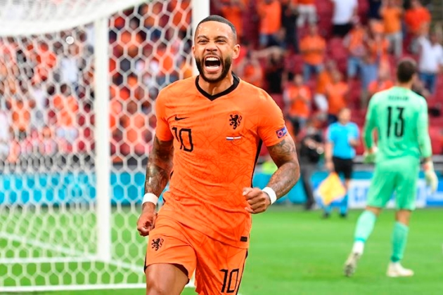 Memphis Depay went to Manchester United 'too young', claims Rio Ferdinand - who hails the Holland star as a 'maverick'  - Bóng Đá