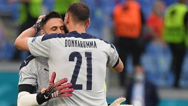 Vì sao Roberto Mancini thay thủ môn ở phút 89? - Bóng Đá