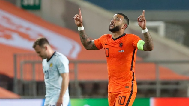 Barcelona have the option to extend Memphis Depay's contract by a further year - Bóng Đá