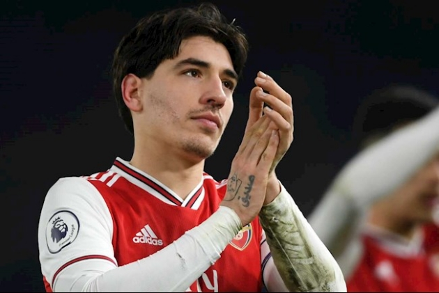 Kevin Campbell has told Arsenal that they can play hardball over the transfer of Hector Bellerin because they hold all the aces. - Bóng Đá