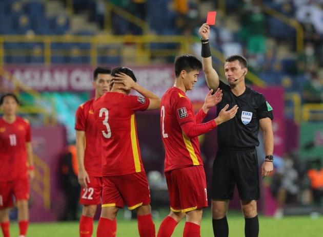 Khoảng khắc nghiệt ngã, bài học lớn cho Duy Mạnh và bóng đá Việt Nam - Bóng Đá