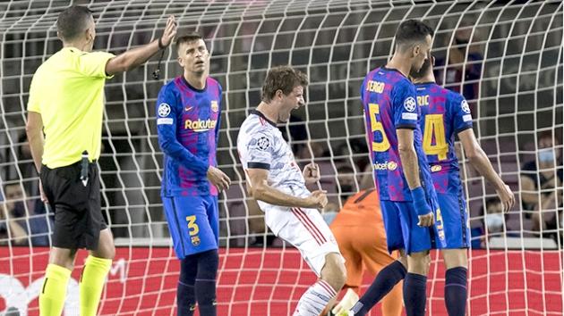 Panic is spreading at Barcelona... but Koeman stays put - Bóng Đá