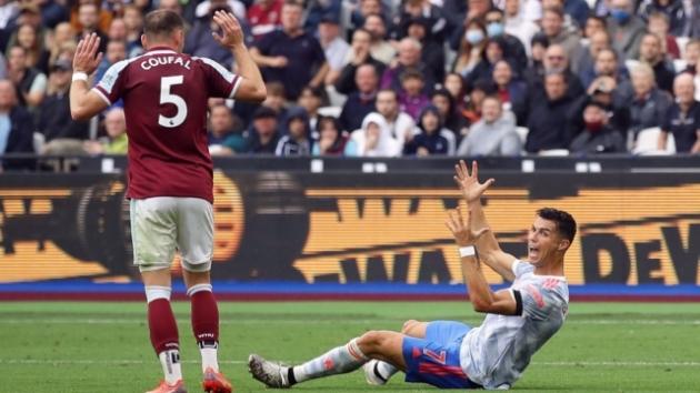 Ole Gunnar Solskjaer risks FA punishment as he blames Man Utd penalty dismissals on Liverpool's Jurgen Klopp - Bóng Đá