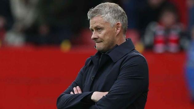 Manchester United back Solskjaer despite 'Ole Out' social media campaign - football director - Bóng Đá