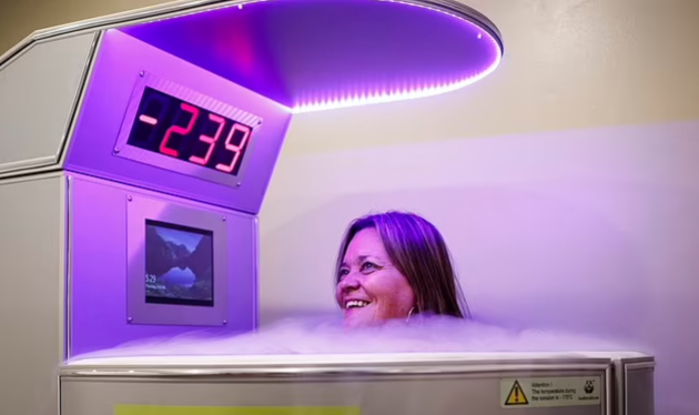 Cristiano Ronaldo 'has £50,000 cryotherapy ice chamber imported from Turin'  - Bóng Đá