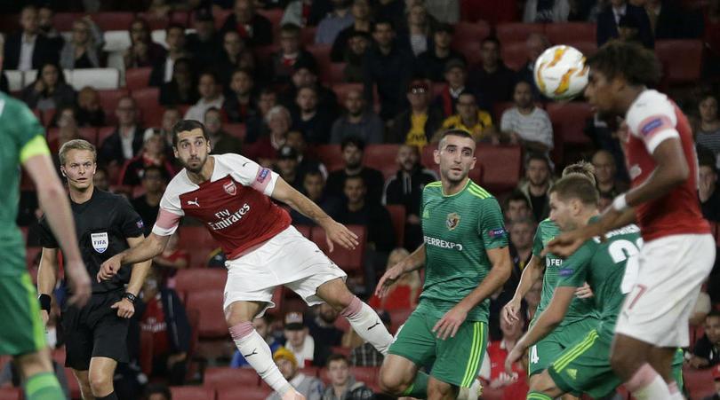Arsenal giành chiến thắng, Mkhitaryan tung Emery lên
