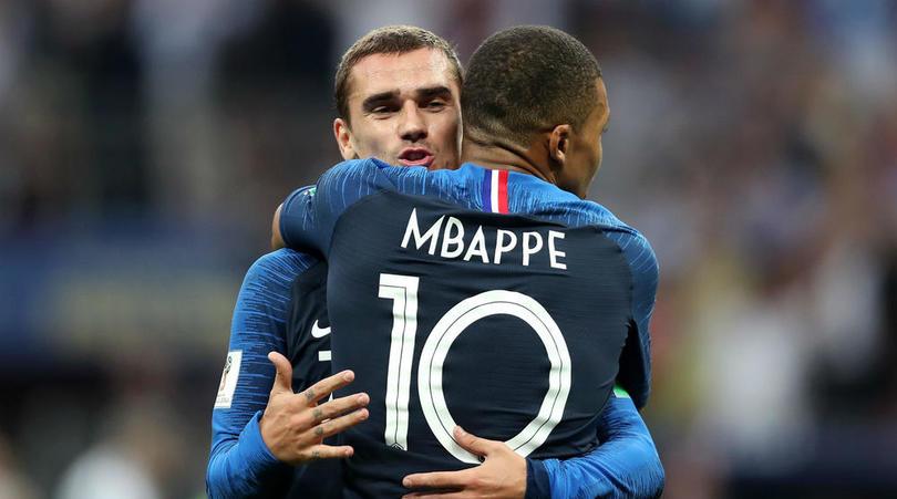 Deschamps lên tiếng về mối quan hệ giữa Griezmann và Mbappe - Bóng Đá