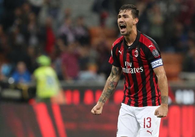 3 trung vệ Serie A được định giá ngang Van Dijk: