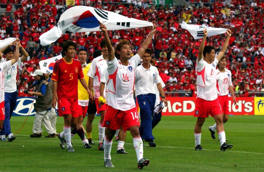 Vì sao bóng đá Hàn Quốc gây ra tai tiếng ở World Cup 2002? - Bóng Đá