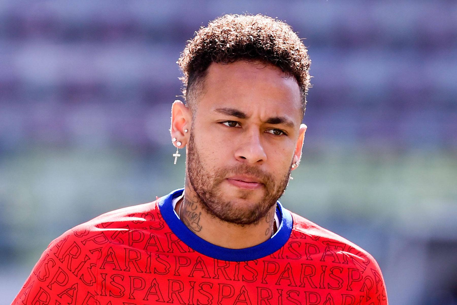 Nike cắt hợp đồng với Neymar vì cáo buộc tấn công tình dục - Bóng Đá