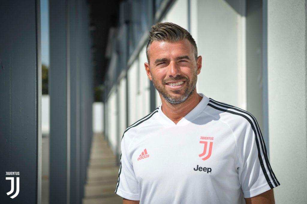Về Juventus, Allegri tính chiêu mộ