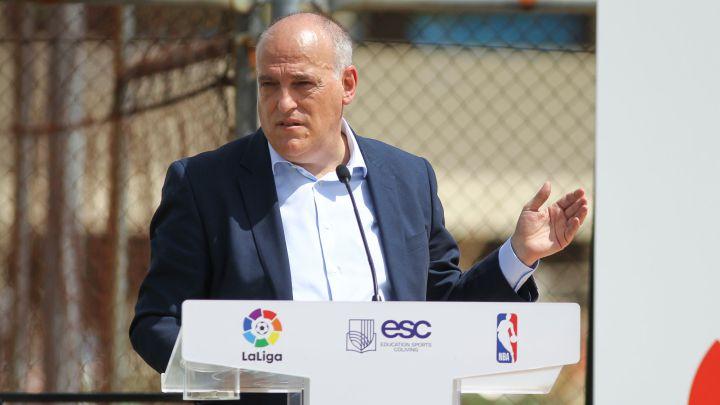 Chủ tịch La Liga tiết lộ con số thua lỗ kinh hoàng của Barcelona - Bóng Đá
