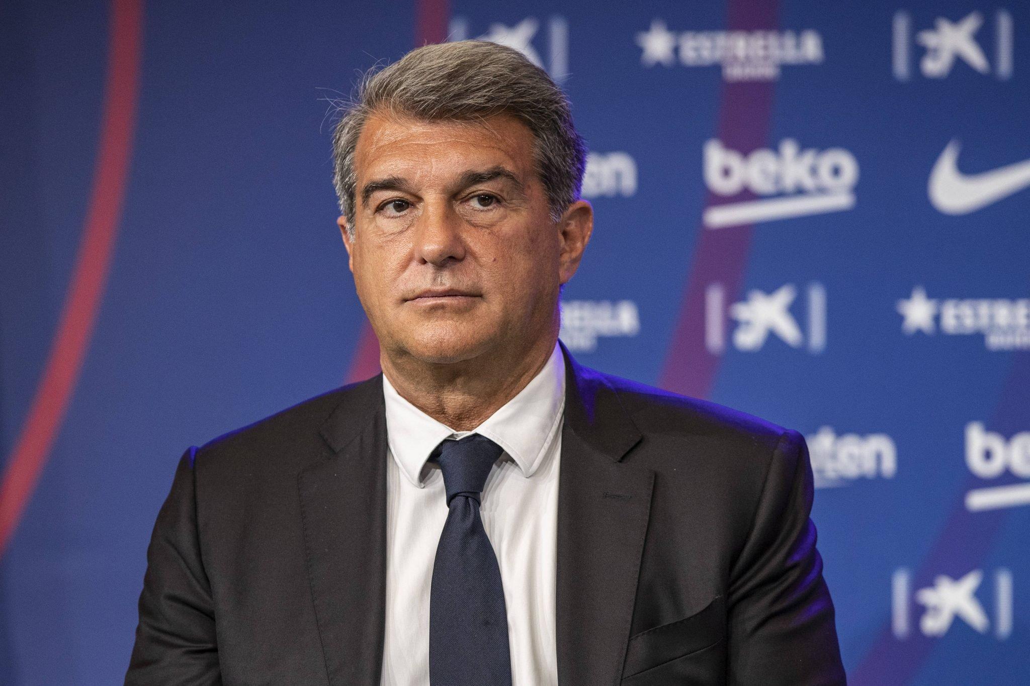 Barcelona công bố hợp đồng đắt giá, thỏa thuận đến 2024 - Bóng Đá