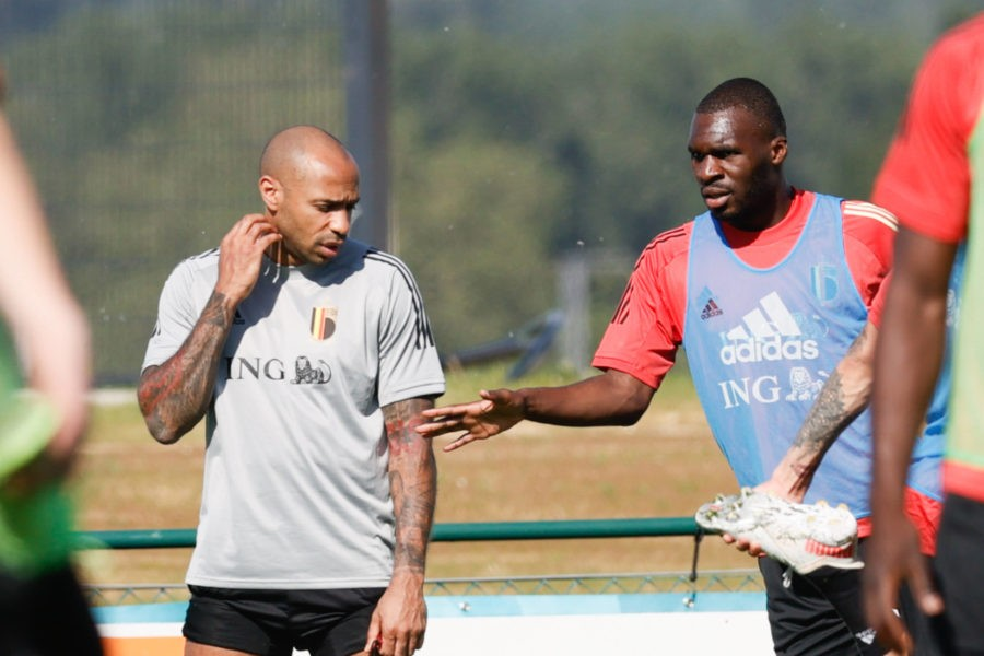 Thierry Henry đứng trước khả năng gia nhập Barcelona  - Bóng Đá
