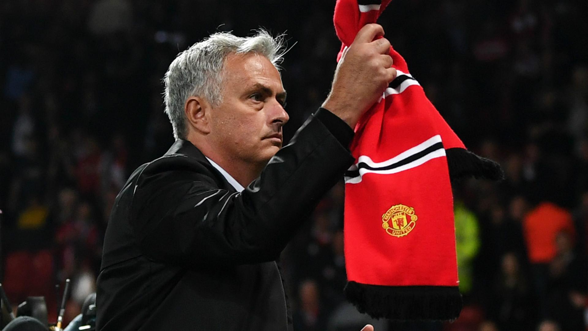 Jose Mourinho explains why Memphis Depay struggled at Manchester United - Bóng Đá
