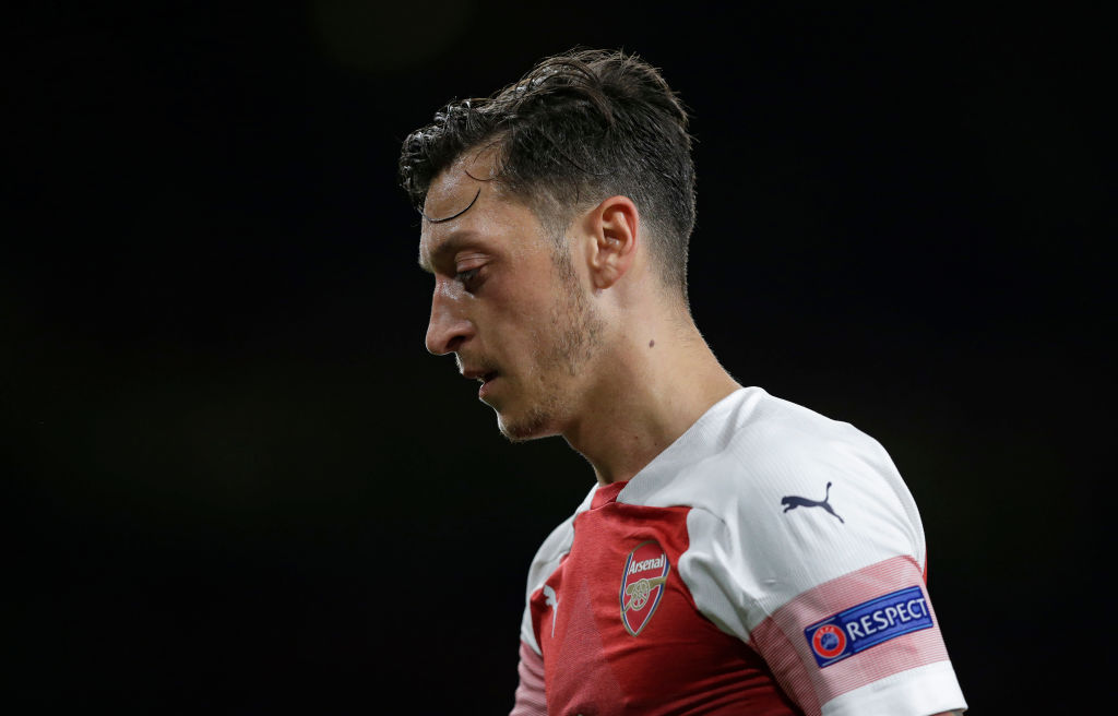 Ian Wright rips into Mesut Ozil with Thierry Henry comparison - Bóng Đá