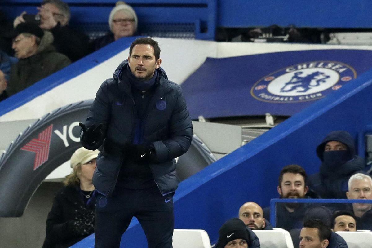 Chelsea chiefs hold meeting to sign Edinson Cavani alternative before transfer deadline - Bóng Đá