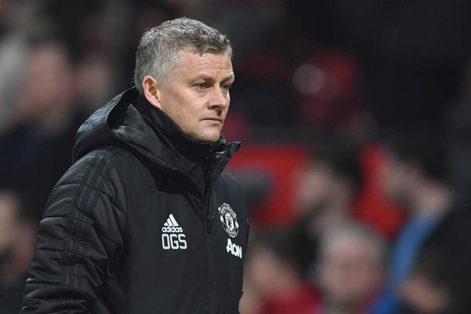 Why Man Utd duo Tahith Chong and Angel Gomes are stalling on new Old Trafford contracts - Bóng Đá