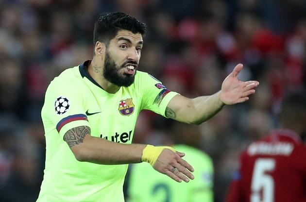 Messi 'chửi thẳng' BLĐ Barca, Luis Suarez phản ứng thế nào? - Bóng Đá