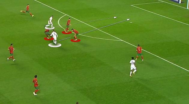 Khoảnh khắc Pogba và Griezmann thể hiện nhãn quan tuyệt vời - Bóng Đá