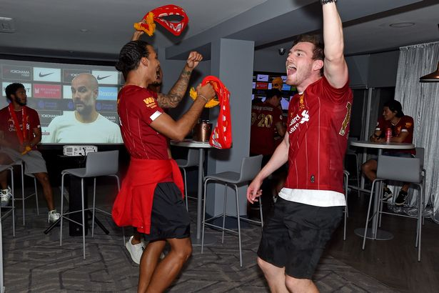 Liverpool star admits to wearing Chelsea shirt to celebrate Premier League title - Bóng Đá