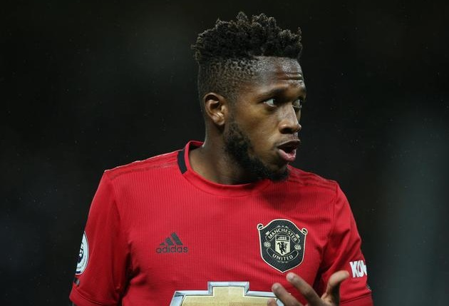 Warrior: Fred goes the extra mile to win back possession despite being fouled repeatedly by Fulham players - Bóng Đá