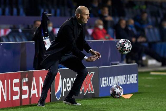Zinedine Zidane: 'It wasn't easy, even ten against eleven' - Bóng Đá