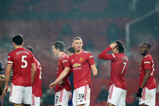 Gary Neville chỉ ra vị trí Man Utd cần chiêu mộ thêm nhân tố mới - Bóng Đá